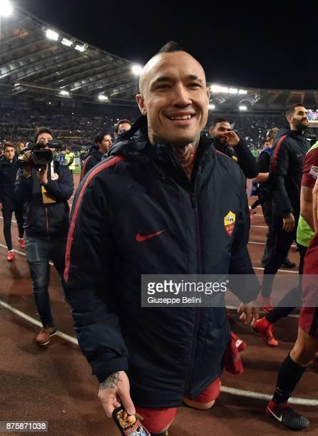 Radja Nainggolan of AS Roma celebrates with Radja Nainggolan after scoring the opening goal during the Serie A match between AS Roma and SS Lazio at...