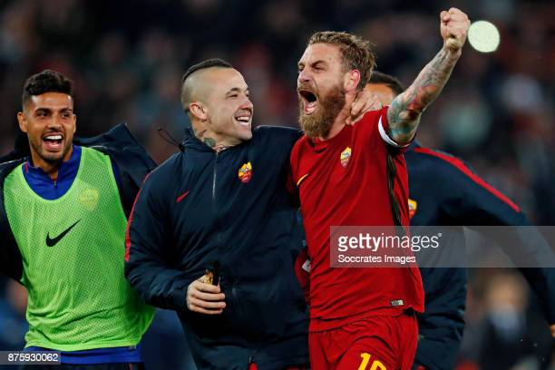 Radja Nainggolan of AS Roma Daniele de Rossi of AS Roma celebrates the victory during the Italian Serie A match between AS Roma v Lazio at the Stadio...