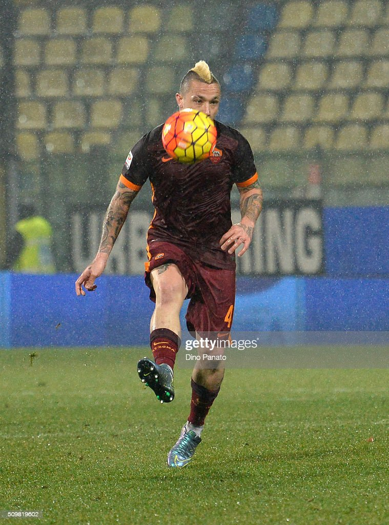 <a gi-track='captionPersonalityLinkClicked' href=/galleries/search?phrase=Radja+Nainggolan&family=editorial&specificpeople=6339191 ng-click='$event.stopPropagation()'>Radja Nainggolan</a> of AS Roma in action during the Serie A match between Carpi FC and AS Roma at Alberto Braglia Stadium on February 12, 2016 in Modena, Italy.