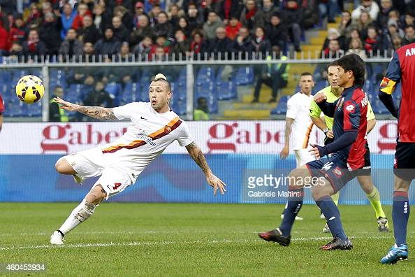Radja Nainggolan of AS Roma scores the opening goal during the Serie A match between Genoa CFC and AS Roma at Stadio Luigi Ferraris on December 14...