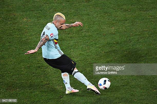 Radja Nainggolan of Belgium scores his side's first goal during the UEFA EURO 2016 Group E match between Sweden and Belgium at Allianz Riviera...