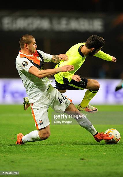 Rafa Silva of SC Braga challenges Yaroslav Rakitskyy of Shakhtar Donetsk during the UEFA Europa League Quarter Final first leg match between SC Braga...