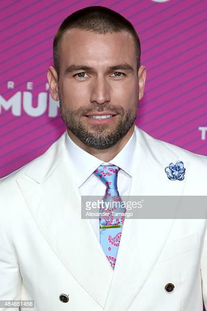 Rafael Amaya arrives at Telemundo's 'Premios Tu Mundo Awards' at American Airlines Arena on August 20 2015 in Miami Florida