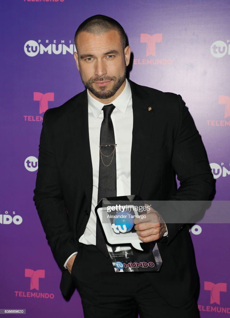 Rafael Amaya is seen in the press room during Telemundo's 'Premios Tu Mundo' at AmericanAirlines Arena on August 24, 2017 in Miami, Florida.