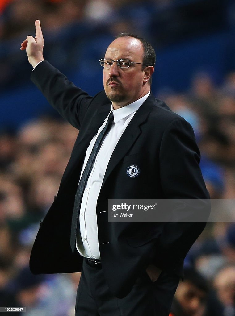 Rafael Benitez, interim manager of Chelsea gives instructions during the UEFA Europa League Round of 32 second leg match between Chelsea and Sparta Praha at Stamford Bridge on February 21, 2013 in London, England.