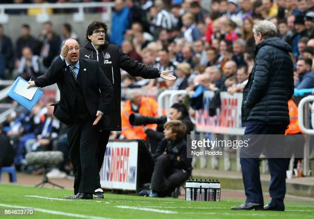 Rafael Benitez Manager of Newcastle United reacts as Roy Hodgson Manager of Crystal Palace looks on during the Premier League match between Newcastle...