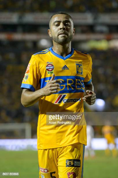 Rafael De Souza of Tigres looks on during the 14th round match between Tigres UANL and Toluca as part of the Torneo Apertura 2017 Liga MX at...