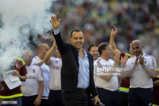 Rafael Dudamel coach of the Venezuelan Under20 national team runnerup at the U20 World Cup in South Korea acknowledges fans gathering at the Olympic...
