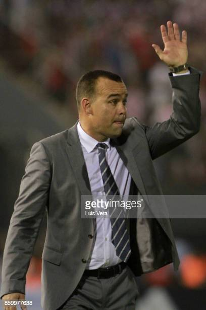 Rafael Dudamel coach of Venezuela gestures after a match between Paraguay and Venezuela as part of FIFA 2018 World Cup Qualifiers at Defensores del...