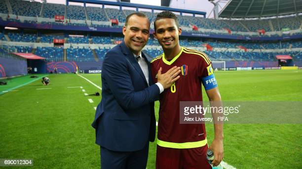 Rafael Dudamel the coach of Venezuela and Yangel Herrera the match winning goalscorer celebrate after the FIFA U20 World Cup Korea Republic 2017...