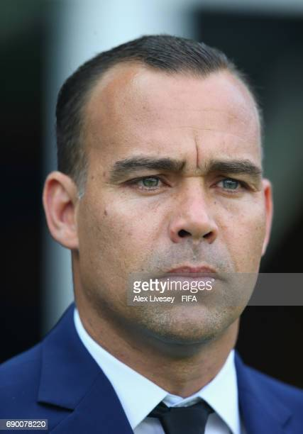 Rafael Dudamel the coach of Venezuela looks on during the FIFA U20 World Cup Korea Republic 2017 Round of 16 match between Venezuela and Japan at...