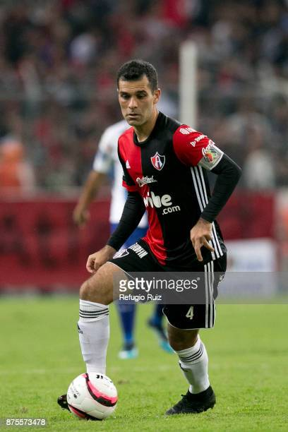 Rafael Marquez of Atlas drives the ball during the 17th round match between Atlas and Pachuca as part of the Torneo Apertura 2017 Liga MX at Jalisco...