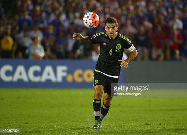 Rafael Marquez of Mexico makes a pass during the 2017 FIFA Confederations Cup Qualifying match against the United States at Rose Bowl on October 10...