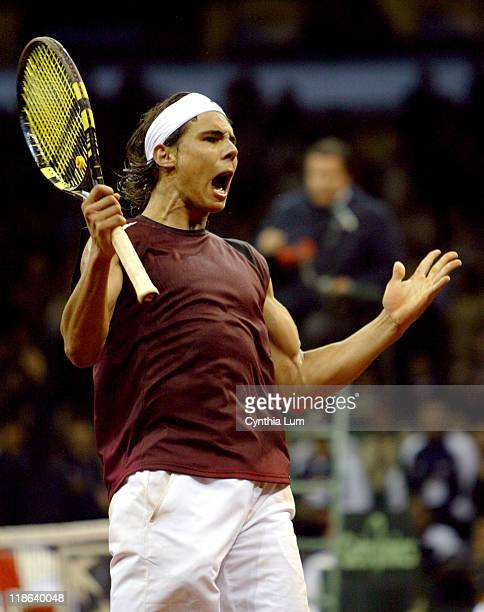 Rafael Nadal gives Spain a 20 lead over the US at the Davis Cup Final in Seville defeating Andy Roddick 67 62 76 62