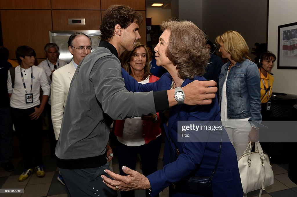 <a gi-track='captionPersonalityLinkClicked' href=/galleries/search?phrase=Rafael+Nadal&family=editorial&specificpeople=194996 ng-click='$event.stopPropagation()'>Rafael Nadal</a> of Spain greets <a gi-track='captionPersonalityLinkClicked' href=/galleries/search?phrase=Queen+Sofia+of+Spain&family=editorial&specificpeople=160333 ng-click='$event.stopPropagation()'>Queen Sofia of Spain</a> after winning the men's singles final match against Novak Djokovic of Serbia on Day Fifteen of the 2013 US Open at the USTA Billie Jean King National Tennis Center on September 9, 2013 in the Flushing neighborhood of the Queens borough of New York City.