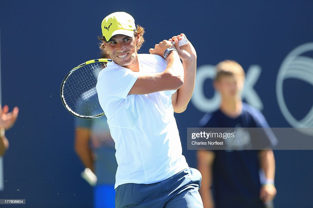 <a gi-track='captionPersonalityLinkClicked' href=/galleries/search?phrase=Rafael+Nadal&family=editorial&specificpeople=194996 ng-click='$event.stopPropagation()'>Rafael Nadal</a> participates in skills challenge during the 2013 Arthur Ashe Kids Day at USTA Billie Jean King National Tennis Center on August 24, 2013 in the Queens borough of New York City.
