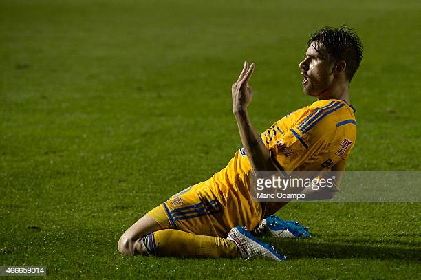 Rafael Sobis of Tigres celebrates after scoring his team's fourth goal during a group 6 match between Tigres UANL and San Jose Oruro as part of round...