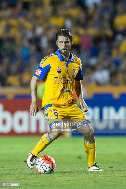 Rafael Sobis of Tigres drives the ball during the semifinals second leg match between Tigres UANL and Queretaro as part of the Concacaf Champions...