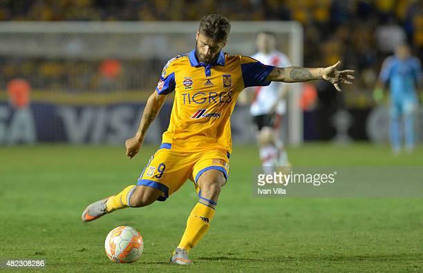 Rafael Sobis of Tigres kicks the ball during a first leg final match between Tigres UANL and River Plate as part of Copa Bridgestone Libertadores...