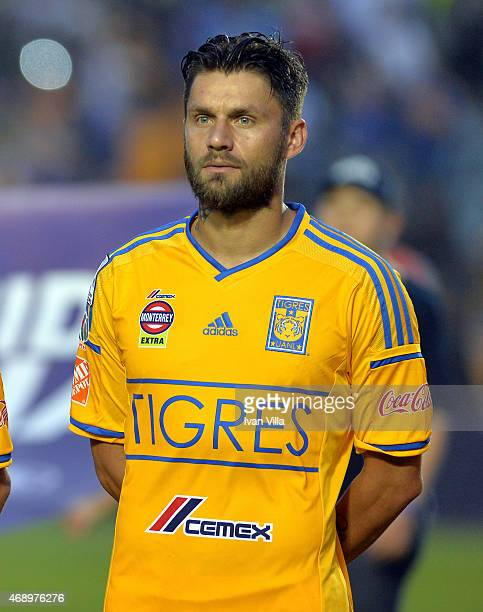 Rafael Sobis of Tigres looks on during a group 6 match between Tigres UANL and River Plate as part of group stage Copa Bridgestone Libertadores 2015...