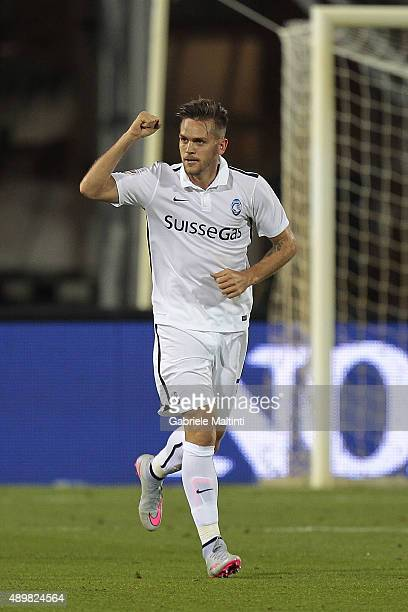 Rafael Toloi of Atalanta BC celebrates after scoring a goal during the Serie A match between Empoli FC and Atalanta BC at Stadio Carlo Castellani on...