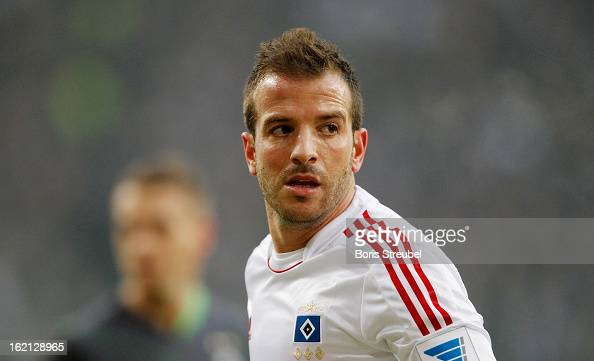 Rafael van der Vaart of Hamburg looks on during the Bundesliga match between Hamburger SV and VfL Borussia Moenchengladbach at Imtech Arena on...