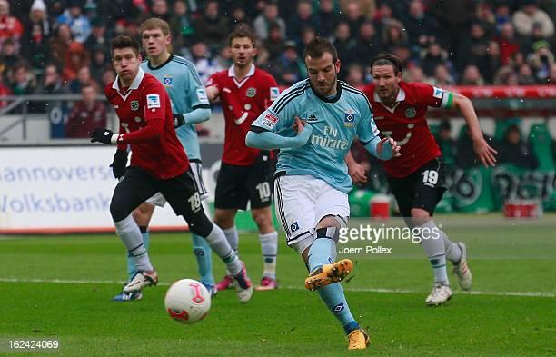 Rafael van der Vaart of Hamburg scores his team's first goal during the Bundesliga match between Hannover 96 and Hamburger SV at AWD Arena on...