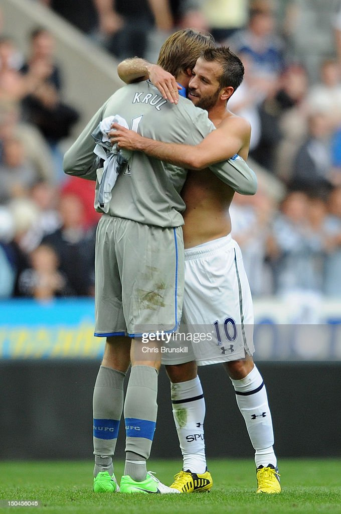 Rafael van der Vaart of Tottenham Hotspur embraces Tim Krul of Newcastle United at the end of the Barclays Premier League match between Newcastle United and Tottenham Hotspur at Sports Direct Arena on August 18, 2012 in Newcastle upon Tyne, England.