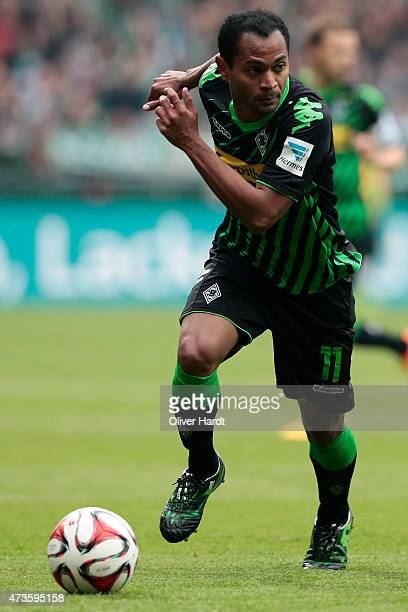Raffael of Moenchengladbach in action during the First Bundesliga match between SV Werder Bremen and Borussia Moenchengladbach at Weserstadion on May...