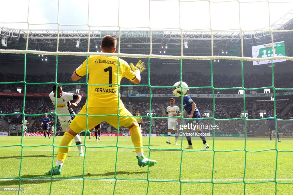 Raffael of Moenchengladbach scores the second goal during the Bundesliga match between Borussia Moenchengladbach and SV Darmstadt 98 at Borussia-Park on May 20, 2017 in Moenchengladbach, Germany.