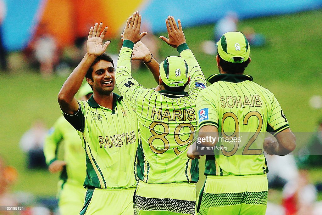 <a gi-track='captionPersonalityLinkClicked' href=/galleries/search?phrase=Rahat+Ali&family=editorial&specificpeople=9407619 ng-click='$event.stopPropagation()'>Rahat Ali</a> of Pakistan celebrates the wicket of Amjad Ali of the United Arab Emirates during the 2015 ICC Cricket World Cup match between Pakistan and the United Arab Emirates at McLean Park on March 4, 2015 in Napier, New Zealand.