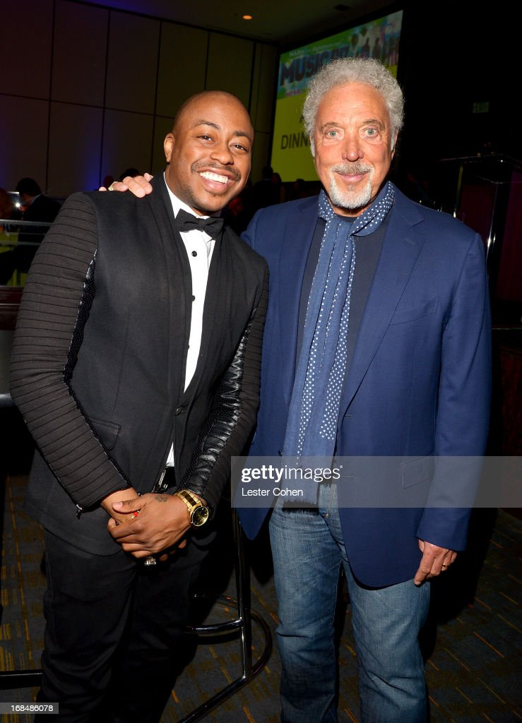 Raheem DeVaughn (L) and Tom Jones attend NARM 2013 meet and greet during the 2013 Music Biz Awards at the Hyatt Regency Century Plaza on May 9, 2013 in Los Angeles, California.