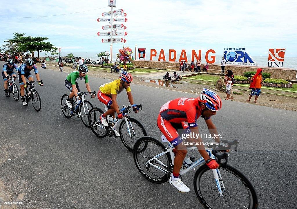 Rahim Emami of Pishgaman Cycling Team Iran leads to Amir Kolahdouz Hagh of Pishgaman Cycling Team Iran and Saxon Irvine of Data Cisco during stage...