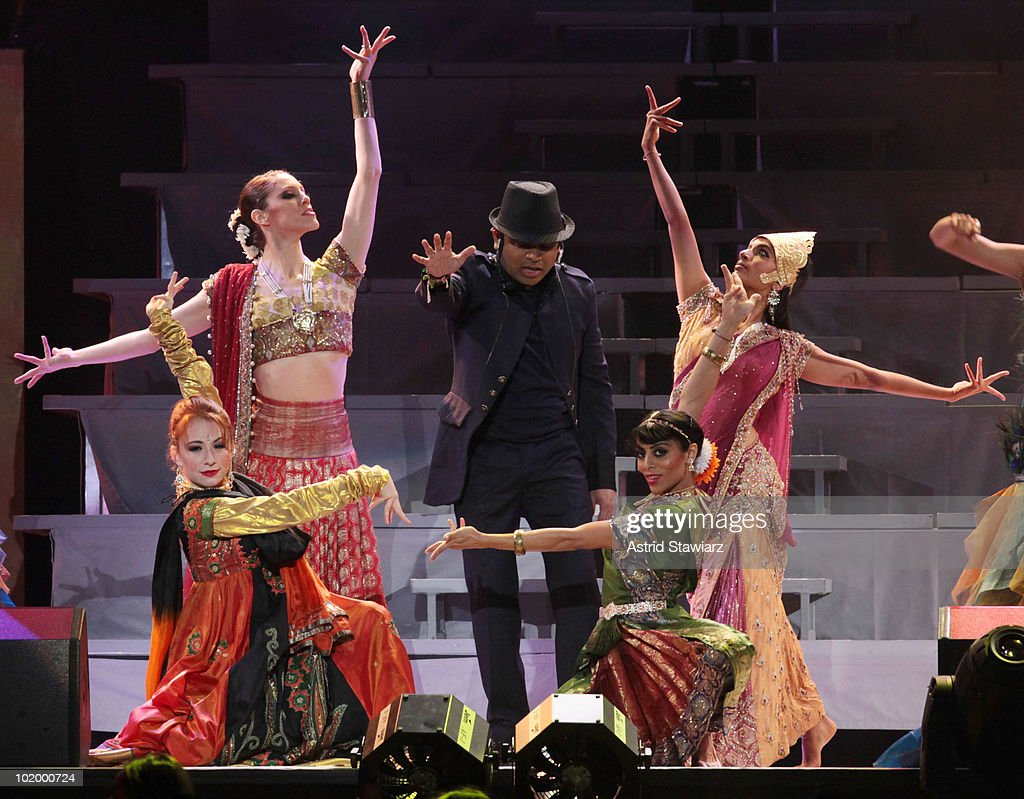 A.R Rahman performs during the opening night of the <a gi-track='captionPersonalityLinkClicked' href=/galleries/search?phrase=A.R.+Rahman&family=editorial&specificpeople=1269970 ng-click='$event.stopPropagation()'>A.R. Rahman</a> Jai Ho Concert: The Journey Home World Tour at Nassau Veterans Memorial Coliseum on June 11, 2010 in Uniondale, New York.
