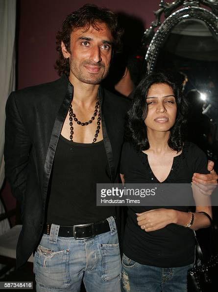 Rahul Deva with wife Rina Dev at Rahul Nanda's Party at High Street ...