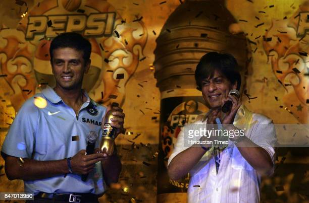 Rahul Dravid and Shahrukh Khan at the farewell function of the Indian cricket team organised by Pepsi before their departure to the Cricket World Cup...