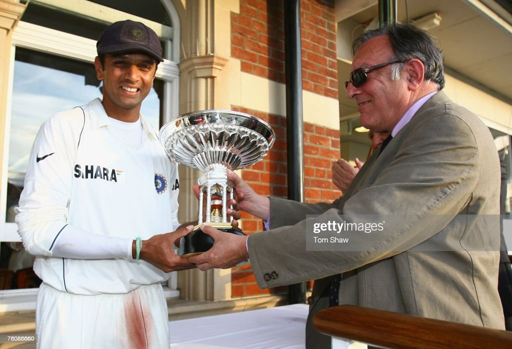 Rahul Dravid of India is presented with the Pataudi trophy by Tiger Pataudi during day five of the Third Test match between England and India at the Oval on August 13, 2007 in London, England.