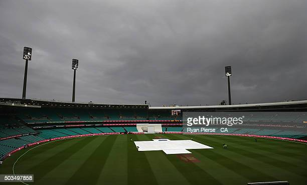 Rain continues to fall during day four of the third Test match between Australia and the West Indies at Sydney Cricket Ground on January 6 2016 in...