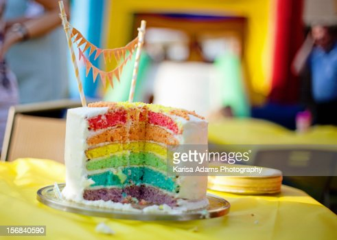 Rainbow Birthday Cake : ストックフォト