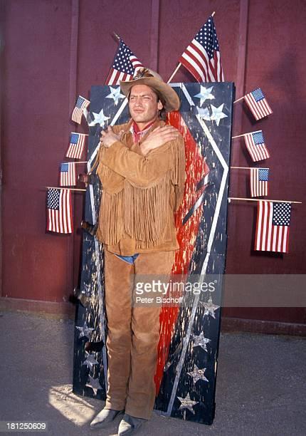 Rainer Grenkowitz PRO 7 Serie 'Glueckliche Reise ' Folge 15 'USA/Arizona' Episode 1 'Ein Seniorenheim im Westerndorf' Scottsdale/Arizona...