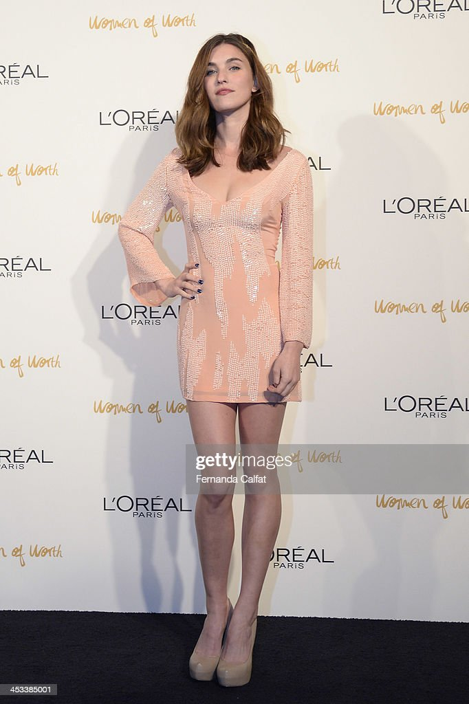 <a gi-track='captionPersonalityLinkClicked' href=/galleries/search?phrase=Rainey+Qualley&family=editorial&specificpeople=3122592 ng-click='$event.stopPropagation()'>Rainey Qualley</a> attends L'Oreal Paris' Women of Worth 2013 at The Pierre Hotel on December 3, 2013 in New York City.