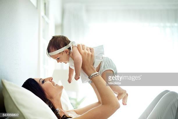 Aufzucht ihrer Tochter in ein voller Liebe