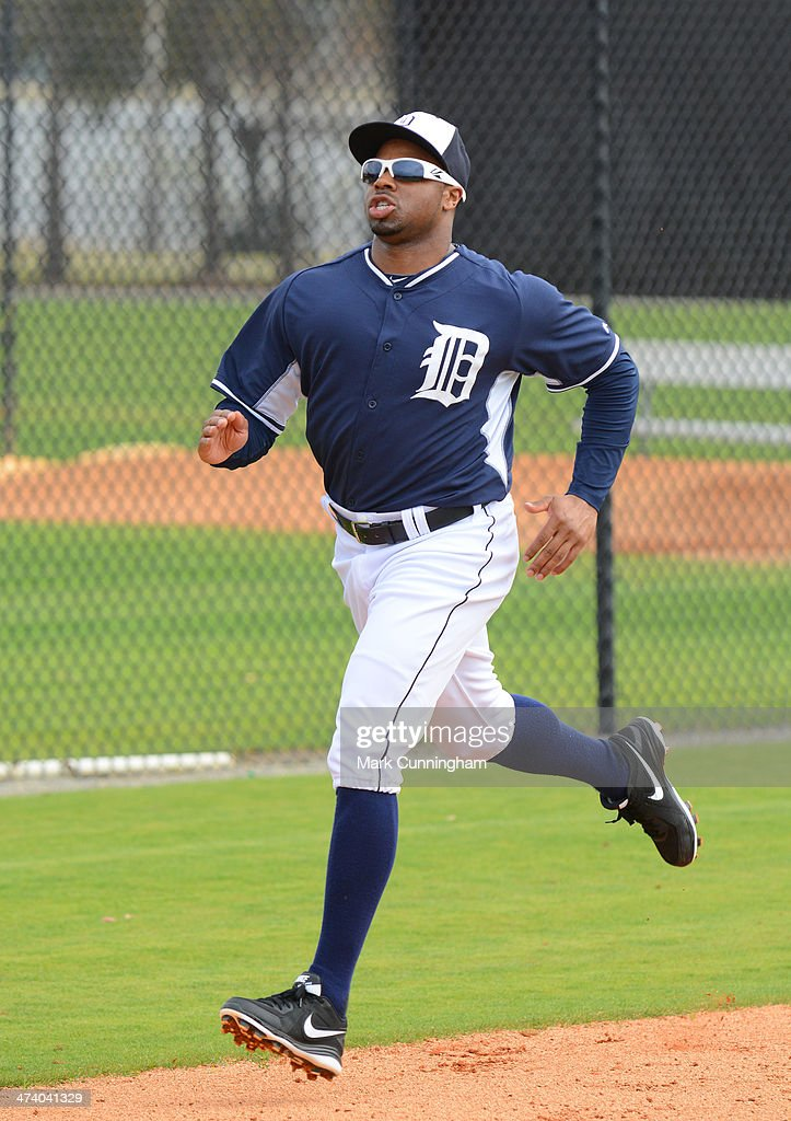 <a gi-track='captionPersonalityLinkClicked' href=/galleries/search?phrase=Rajai+Davis&family=editorial&specificpeople=810608 ng-click='$event.stopPropagation()'>Rajai Davis</a> #20 of the Detroit Tigers runs the bases during the spring training workout day at the TigerTown complex on February 21, 2014 in Lakeland, Florida.