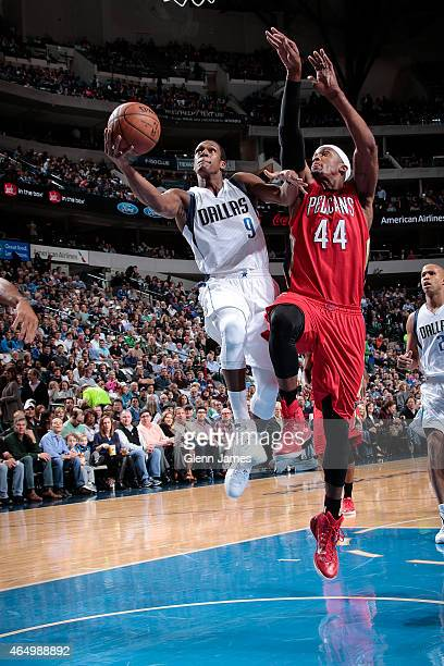 Rajon Rondo of the Dallas Mavericks shoots the ball against the New Orleans Pelicans during the game on March 2 2015 at the American Airlines Center...