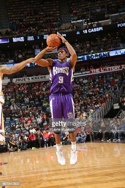 Rajon Rondo of the Sacramento Kings shoots the ball against the New Orleans Pelicans on January 28 2016 at the Smoothie King Center in New Orleans...