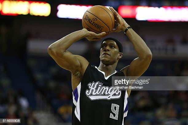 Rajon Rondo of the Sacramento Kings shoots the ball during a game at Smoothie King Center on March 7 2016 in New Orleans Louisiana NOTE TO USER User...