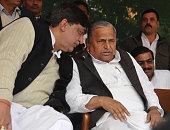 Rajya Sabha MP Naresh Agarwal with Samajwadi Party chief Mulayam Singh Yadav on December 30 2011 in Lucknow India Naresh Aggarwal and his son Nitin...