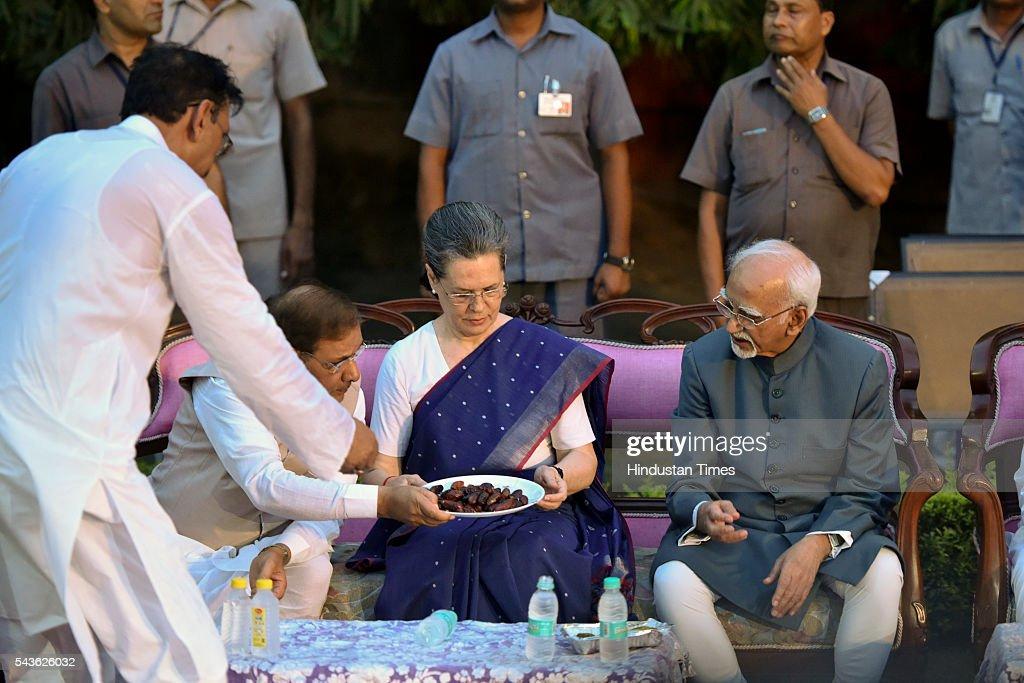 JDU Rajya Sabha MP Sharad Yadav, Congress President Sonia Gandhi and Vice President Hamid Ansari at iftar of JDU party at the residence of former JDU president and Rajya Sabha member Sharad Yadav at 7 Tughlak Road on June 29, 2016 in New Delhi, India.