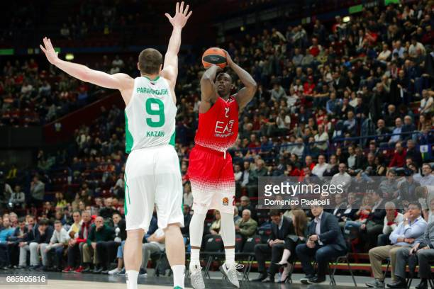Rakim Sanders #21 of EA7 Emporio Armani Milan in action during the 2016/2017 Turkish Airlines EuroLeague Regular Season Round 30 game between EA7...