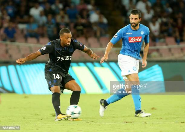 Raúl Albiol Tortajada Napoli defender and Alassane Pléa striker in Nice during the match between SSC Napoli and OGC Nice to qualify for the playoffs...